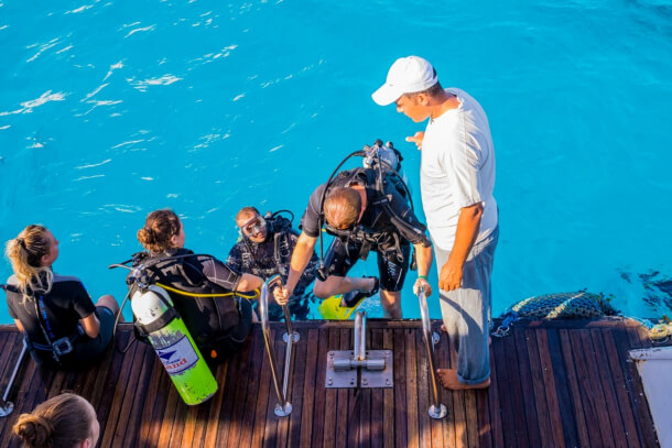 Scuba Diving Must-haves: Guide for Safety Diving
